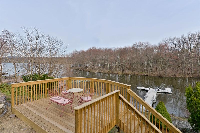Additional photo for property listing at 8 Dehart Avenue  Hewitt, Nueva Jersey 07421 Estados Unidos