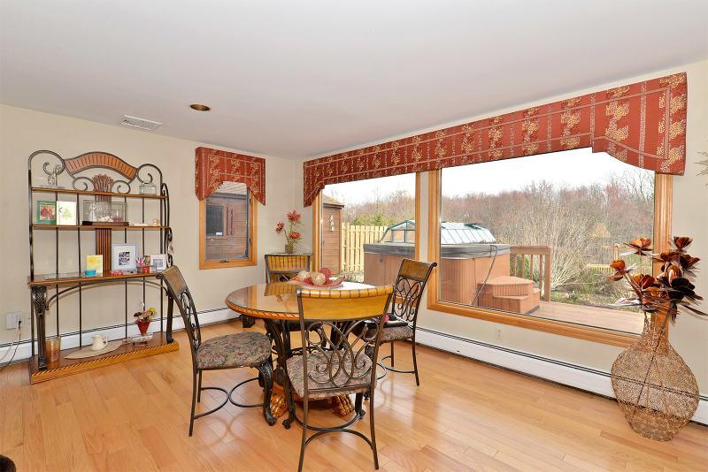 Additional photo for property listing at 8 Dehart Avenue  Hewitt, New Jersey 07421 United States
