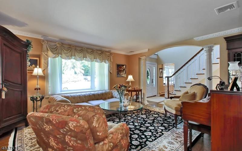 Additional photo for property listing at 60 Calumet Avenue  Oakland, Нью-Джерси 07436 Соединенные Штаты