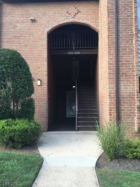 Single Family Home for Sale at 1006 EDISON GLEN TER Edison, New Jersey 08837 United States