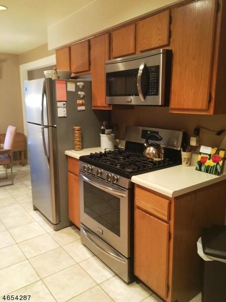 Additional photo for property listing at 1006 EDISON GLEN TER  Edison, Нью-Джерси 08837 Соединенные Штаты