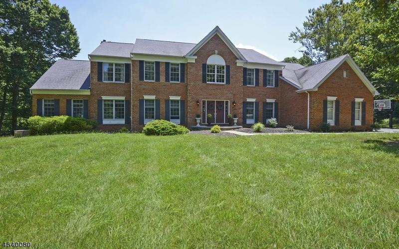 Частный односемейный дом для того Продажа на 50 ASCOT Drive Long Valley, Нью-Джерси 07853 Соединенные Штаты