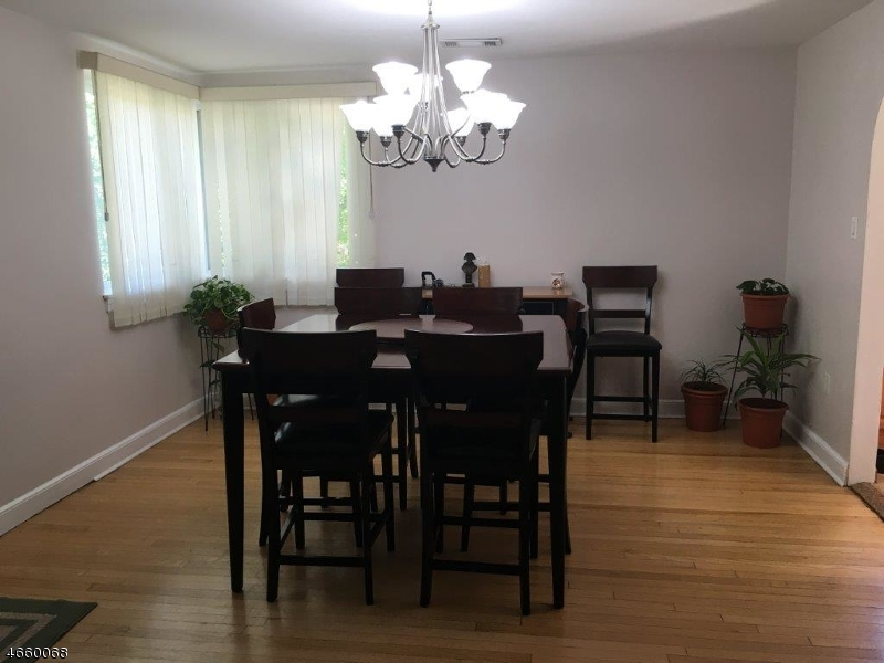 Additional photo for property listing at 631 Lackawanna Avenue  Woodland Park, Nueva Jersey 07424 Estados Unidos