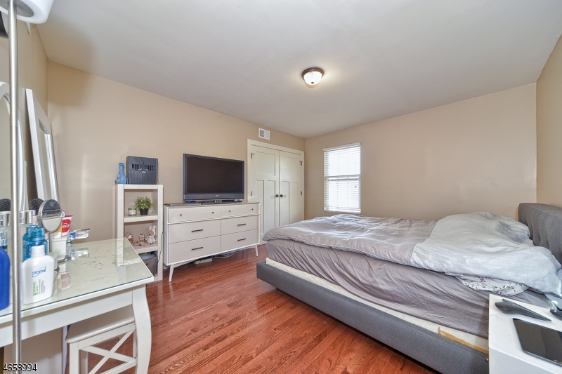 Additional photo for property listing at 28-32 W MAIN Street  Somerville, New Jersey 08876 United States