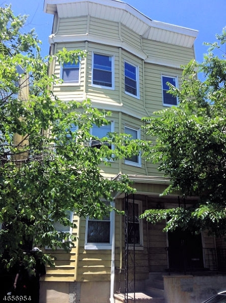 Additional photo for property listing at 69 S 7th Street  Newark, New Jersey 07107 États-Unis