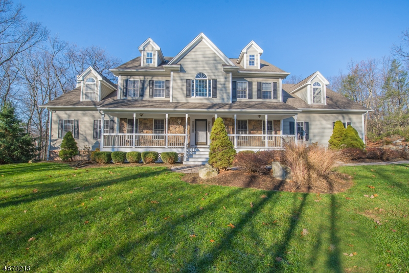 Single Family Home for Sale at 200 Rockburn Pass West Milford, New Jersey 07480 United States