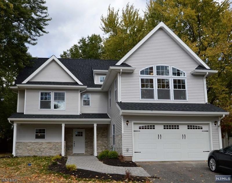 独户住宅 为 销售 在 96 GEORGE Road 爱默生, 新泽西州 07630 美国