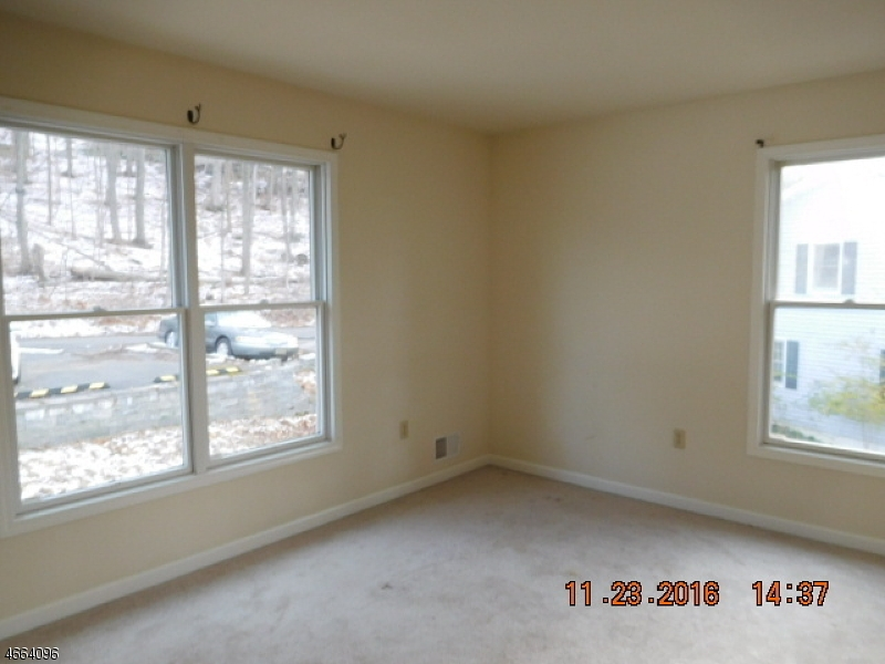 Additional photo for property listing at 515 E Shore Trail  Sparta, Nueva Jersey 07871 Estados Unidos