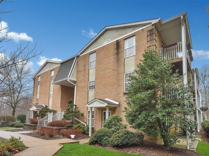 Casa Unifamiliar por un Venta en 138 VISTA DRIVE Cedar Knolls, Nueva Jersey 07927 Estados Unidos