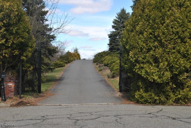 Maison unifamiliale pour l Vente à 64 sharon Court Hampton, New Jersey 07860 États-Unis