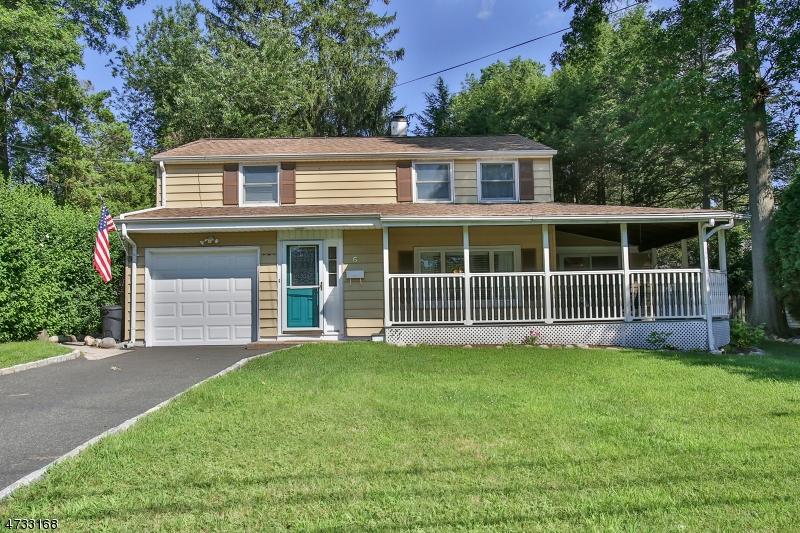 Casa Unifamiliar por un Venta en 6 MacDonald Court Waldwick, Nueva Jersey 07463 Estados Unidos