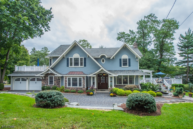 Nhà ở một gia đình vì Thuê tại 28 HILLCREST Road Mountain Lakes, New Jersey 07046 Hoa Kỳ