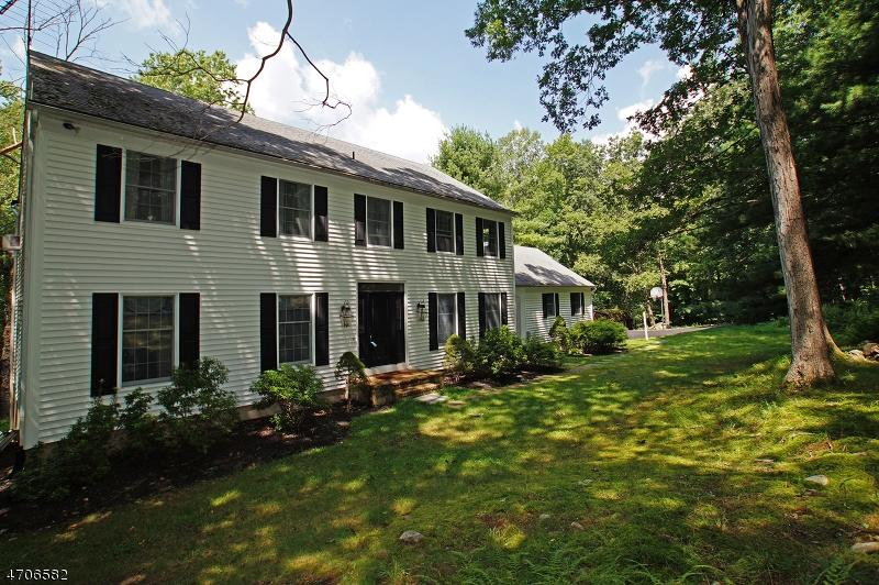 Einfamilienhaus für Verkauf beim 38 KILROY Road Andover Township, New Jersey 07821 Vereinigte Staaten
