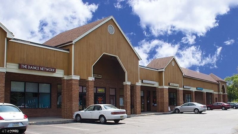 Commercial pour l Vente à 160 Lawrencesvillepennington Lawrence, New Jersey 08648 États-Unis