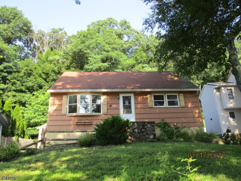 Single Family Home for Sale at 97 Clark Street 97 Clark Street Bloomingdale, New Jersey 07403 United States