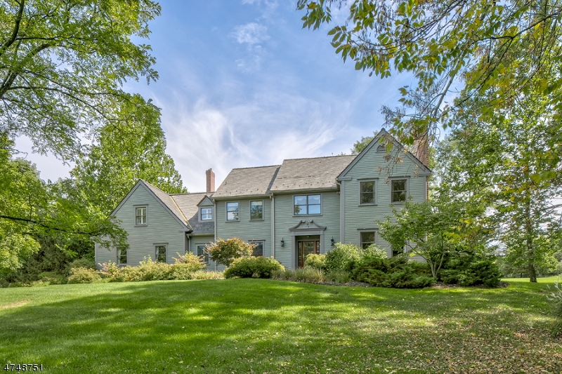 Maison unifamiliale pour l Vente à 2 Capoolong Creek Farm Franklin, New Jersey 08867 États-Unis