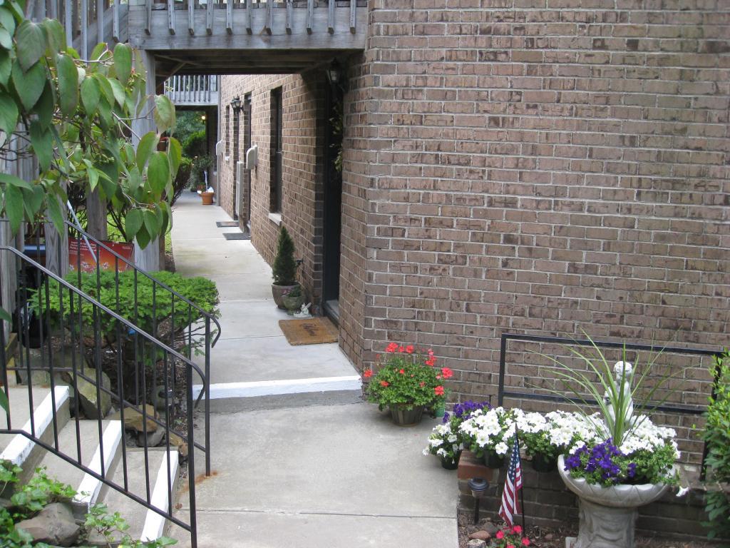 Maison unifamiliale pour l à louer à 181 LONG HILL ROAD 7-3 Little Falls, New Jersey 07424 États-Unis