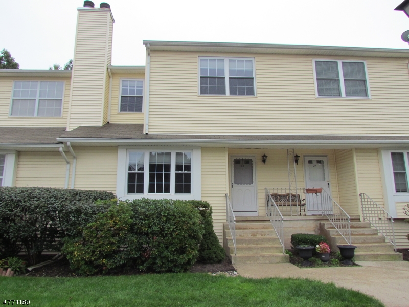 Maison unifamiliale pour l à louer à 22 WestLake Court Franklin, New Jersey 08873 États-Unis