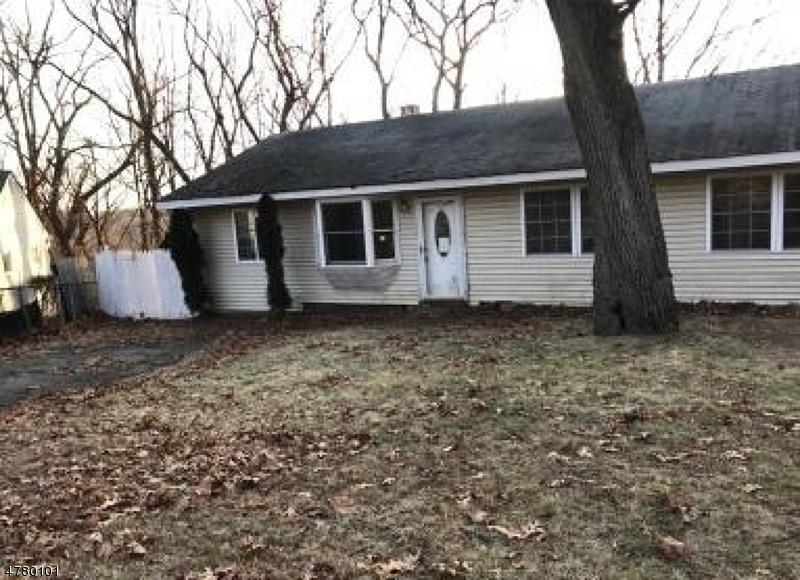 Eensgezinswoning voor Verkoop op 19 Red Twig Trail Bloomingdale, New Jersey 07403 Verenigde Staten
