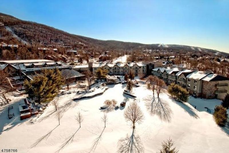 Кондо / дом для того Продажа на 2 Chamonix Dr, UNIT 328 Vernon, Нью-Джерси 07462 Соединенные Штаты