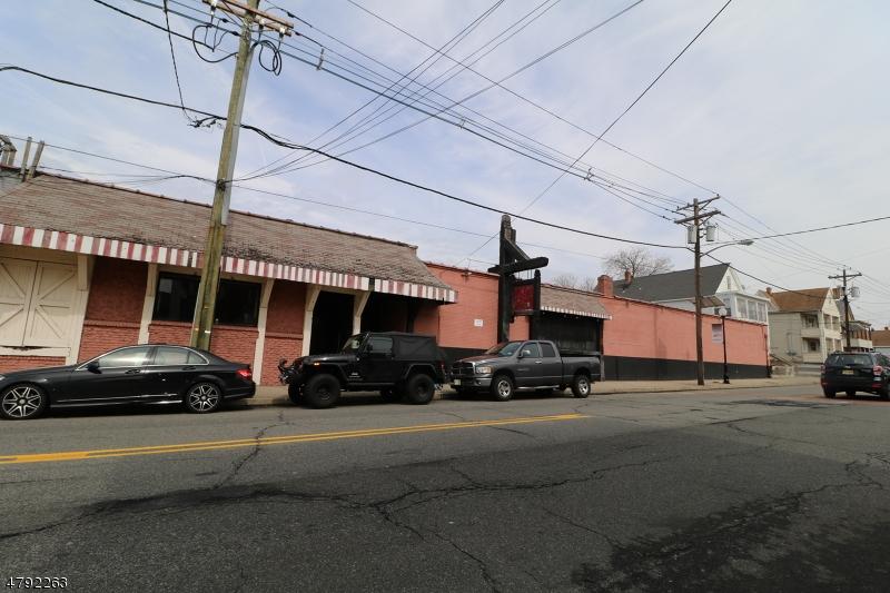 Comercial para Venda às 564 Van Houten Avenue Clifton, Nova Jersey 07013 Estados Unidos