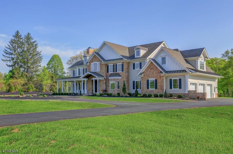 Maison unifamiliale pour l Vente à 224 Mountain Road Bernards Township, New Jersey 07920 États-Unis