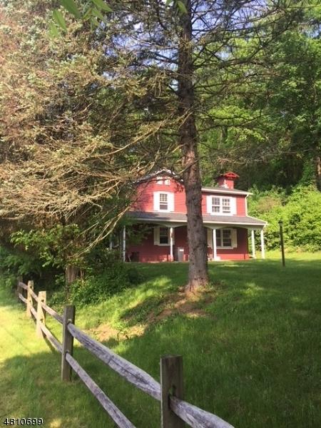 Maison unifamiliale pour l Vente à 44 KASPER Road Allamuchy, New Jersey 07821 États-Unis