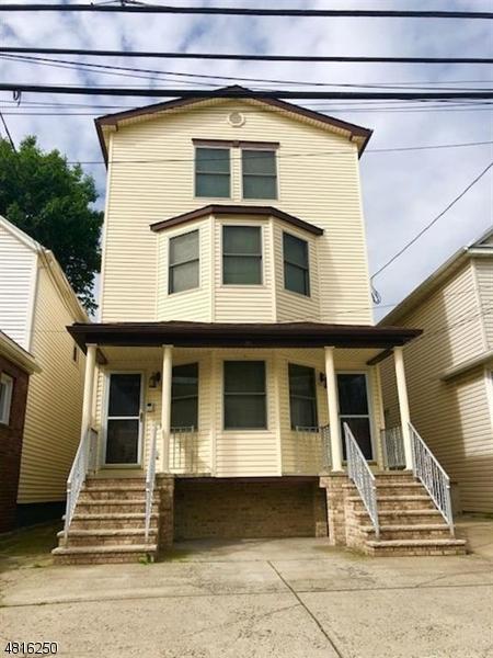 Casa Multifamiliar por un Venta en 90 W 27TH Street Bayonne, Nueva Jersey 07002 Estados Unidos