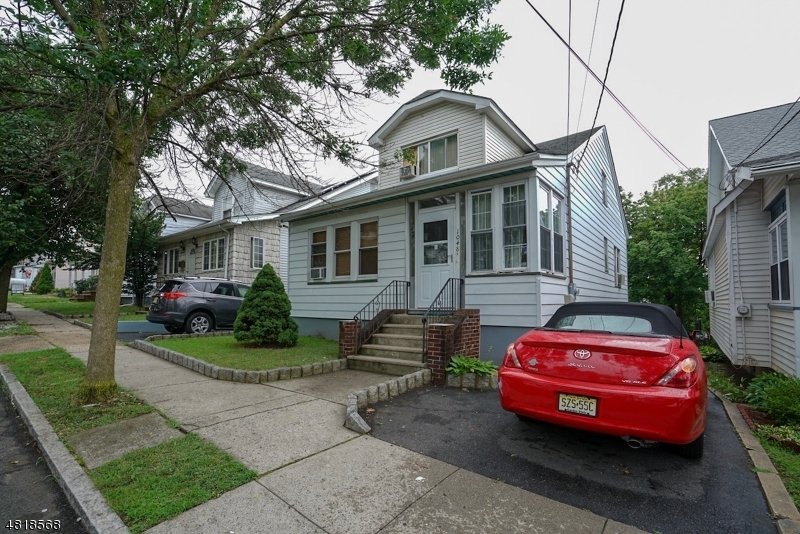 Single Family Home for Sale at 1048 WOOLLEY Avenue Union, New Jersey 07083 United States