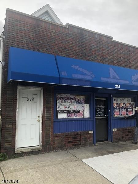 商用 为 销售 在 244 SANFORD Street East Orange, 新泽西州 07018 美国