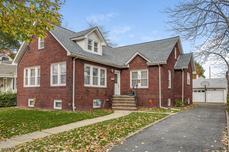 Single Family Home for Sale at 615 WOODLAND AVE 615 WOODLAND AVE Roselle Park, New Jersey 07204 United States
