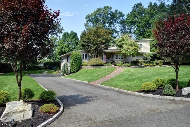 Частный односемейный дом для того Продажа на 2115 GAMBLE Road Scotch Plains, Нью-Джерси 07076 Соединенные Штаты