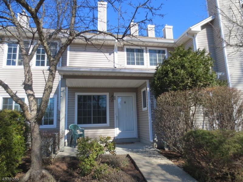Condo / Townhouse pour l à louer à 44 STEVENS Court Bedminster, New Jersey 07921 États-Unis