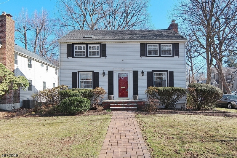 Single Family Home for Sale at 51 HELEN Street Fanwood, New Jersey 07023 United States