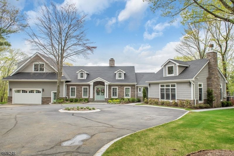 Single Family Home for Sale at 27 Hilltop Rd Kinnelon, New Jersey 07405 United States