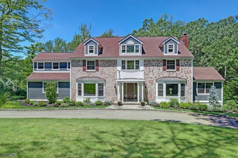 Single Family Homes för Försäljning vid Essex Fells, New Jersey 07021 Förenta staterna