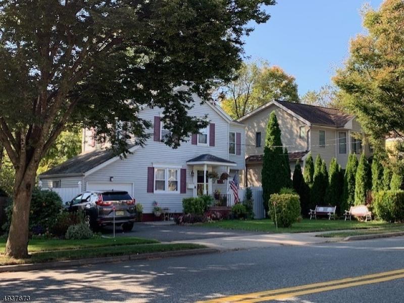 Single Family Homes för Försäljning vid Paramus, New Jersey 07652 Förenta staterna