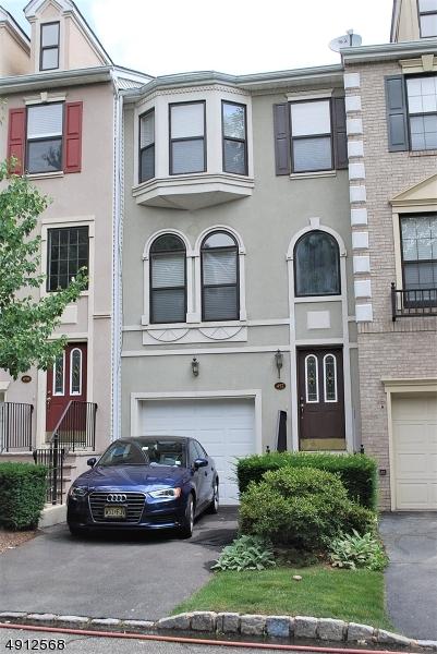 Condo / Townhouse pour l à louer à Nutley, New Jersey 07110 États-Unis