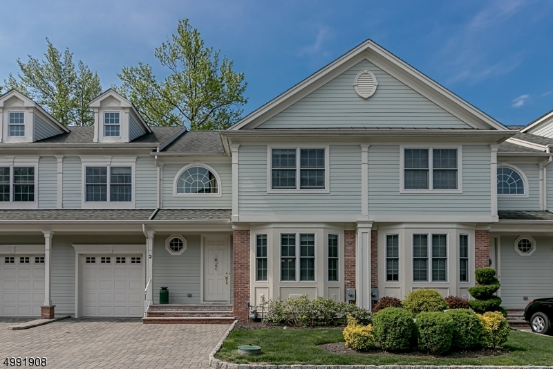 Condo / Townhouse for Sale at Cranford, New Jersey 07016 United States