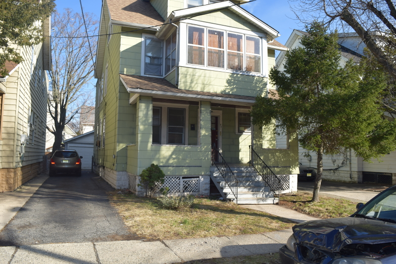 Additional photo for property listing at 80 Grant Place  Irvington, New Jersey 07111 États-Unis