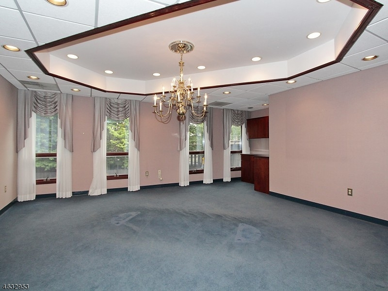 Additional photo for property listing at 184 North Ave E  Cranford, New Jersey 07016 United States