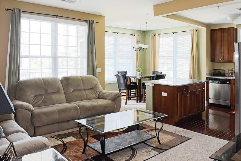Частный односемейный дом для того Продажа на 8314 Sanctuary Blvd Riverdale, 07457 Соединенные Штаты