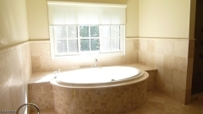 Additional photo for property listing at 85 Pleasantville Road  New Vernon, New Jersey 07976 États-Unis