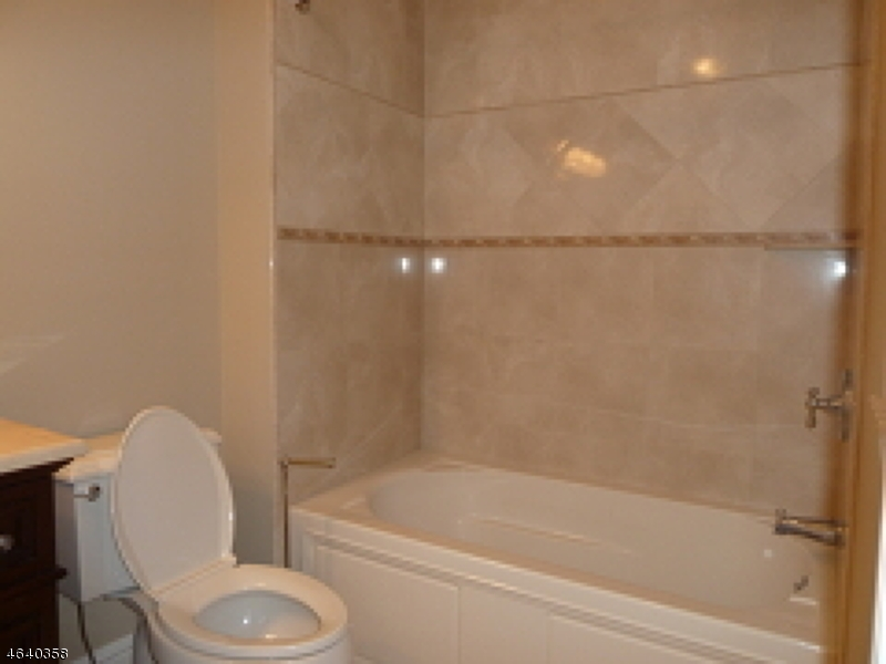 Additional photo for property listing at 85 Pleasantville Road  New Vernon, 新泽西州 07976 美国