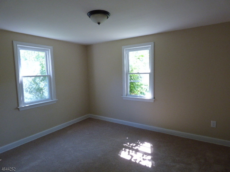 Additional photo for property listing at 326 Willow Grove Street  Hackettstown, New Jersey 07840 États-Unis