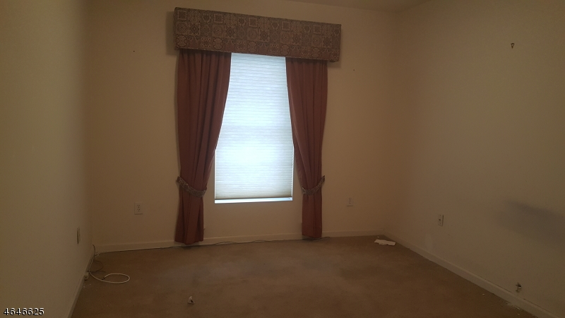 Additional photo for property listing at 100 JOHN OLEARY BLVD 404  South Amboy, Nueva Jersey 08879 Estados Unidos
