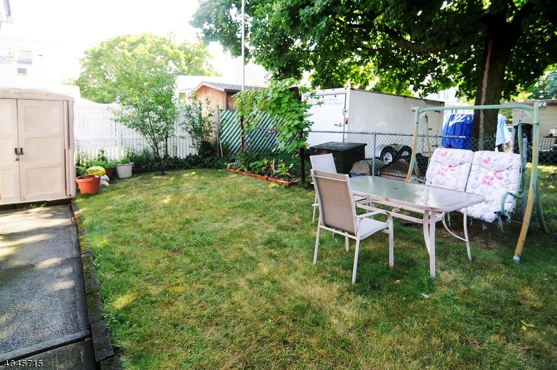 Additional photo for property listing at 44 Young Avenue  Totowa Boro, Нью-Джерси 07512 Соединенные Штаты