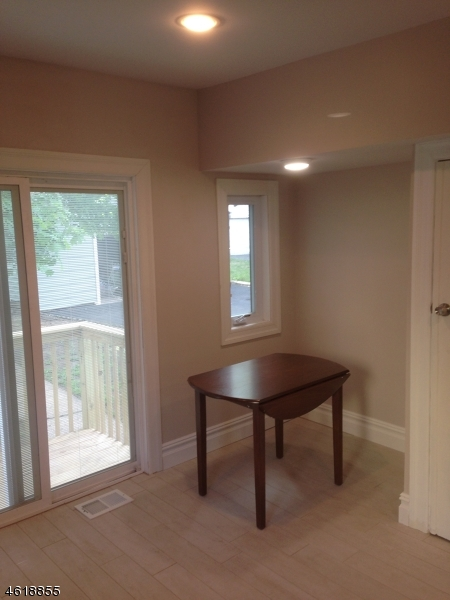 Additional photo for property listing at 87 Valley Way  West Orange, New Jersey 07052 États-Unis