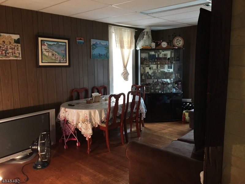Additional photo for property listing at Address Not Available  Dunellen, Nueva Jersey 08812 Estados Unidos