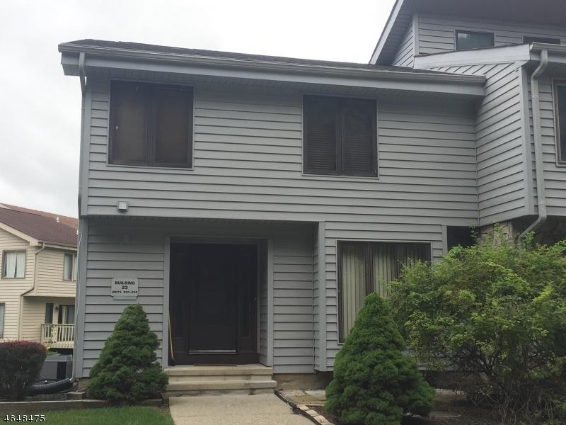 独户住宅 为 销售 在 235 Cherokee Road 拉斐特, 新泽西州 07848 美国